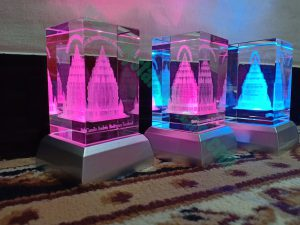 Crystal dengan laser 3D Candi prambanan