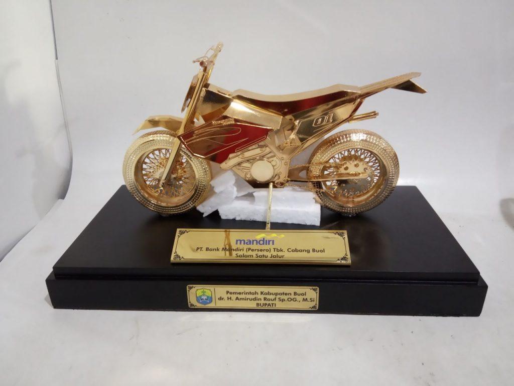 pesanan khusus trophy