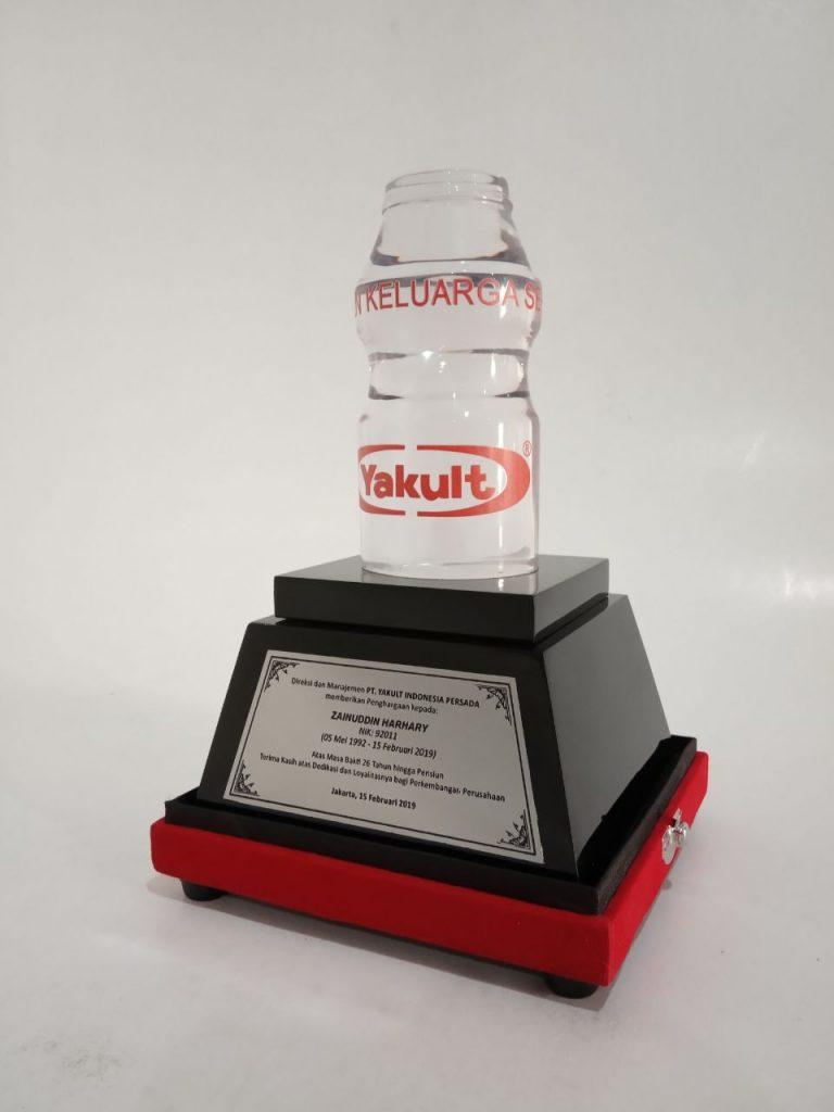 trophy miniatur yakult